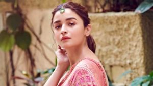 Alia Bhatt Marriage, Biography, Age, Photo, Net Worth, Height, Boyfriend, Images, Date Of Birth, Mother, Birthday Date, Sister, In Saree, Husband, Father (29)