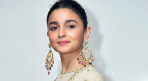 Alia Bhatt Marriage, Biography, Age, Photo, Net Worth, Height, Boyfriend, Images, Date Of Birth, Mother, Birthday Date, Sister, In Saree, Husband, Father (31)