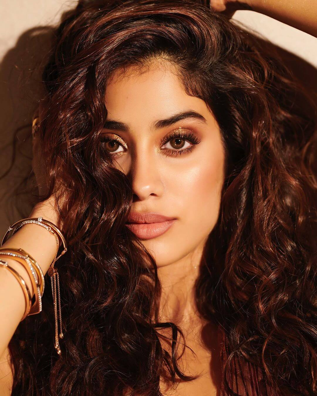 Janhvi Kapoor Age, Photos(images), Movie, Education, Birthday, Biography, Height, Husband, Net Worth, Instagram, Wiki, Twitter, Facebook, Imdb (13)