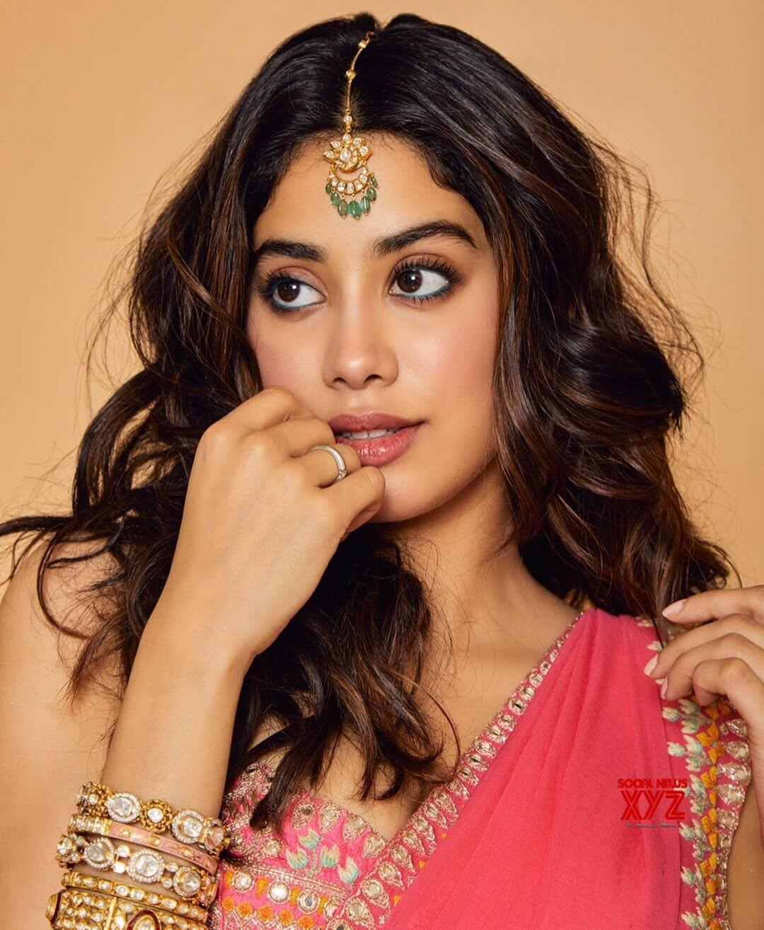 Janhvi Kapoor Age, Photos(images), Movie, Education, Birthday, Biography, Height, Husband, Net Worth, Instagram, Wiki, Twitter, Facebook, Imdb (18)