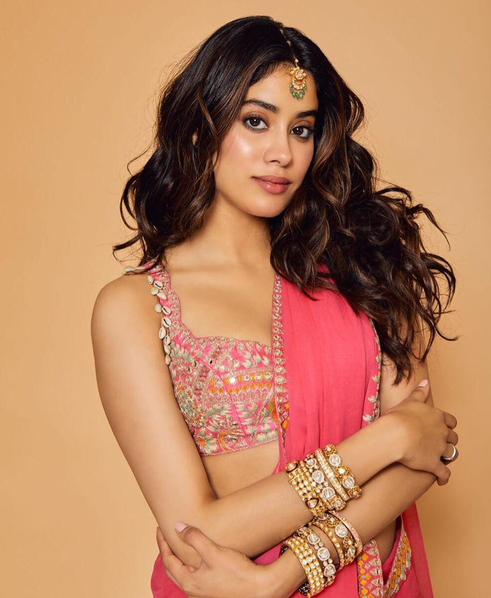 Janhvi Kapoor Age, Photos(images), Movie, Education, Birthday, Biography, Height, Husband, Net Worth, Instagram, Wiki, Twitter, Facebook, Imdb (22)