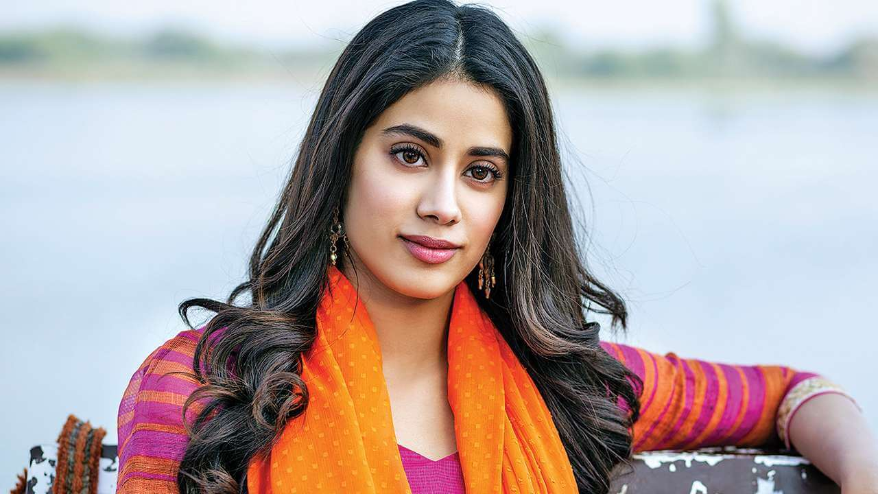 Janhvi Kapoor age, photos(images), movie, education, birthday, biography, height, husband, net worth, instagram, wiki, twitter, facebook, imdb