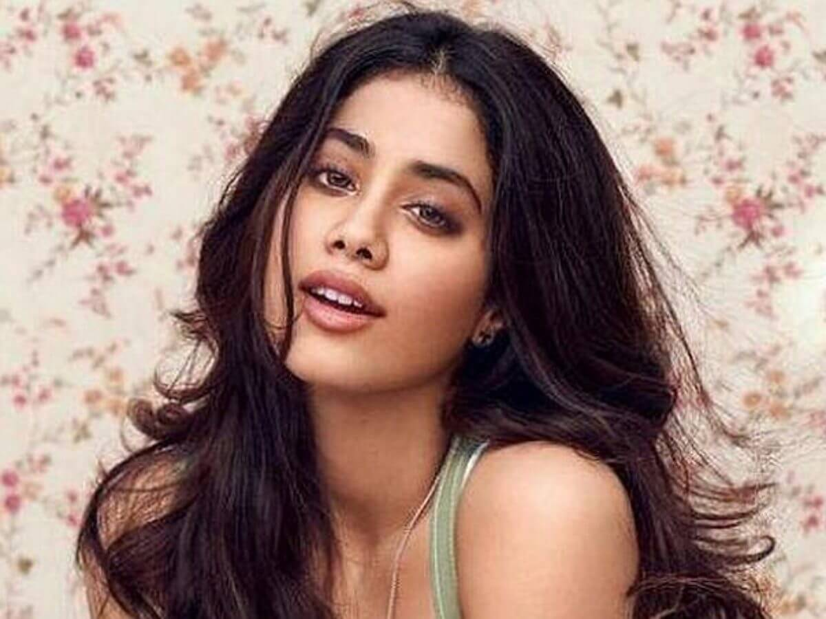 Janhvi Kapoor Age, Photos(images), Movie, Education, Birthday, Biography, Height, Husband, Net Worth, Instagram, Wiki, Twitter, Facebook, Imdb (49)
