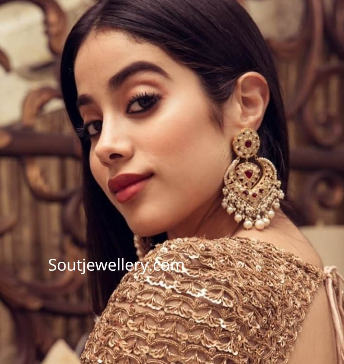 Janhvi Kapoor Age, Photos(images), Movie, Education, Birthday, Biography, Height, Husband, Net Worth, Instagram, Wiki, Twitter, Facebook, Imdb (65)