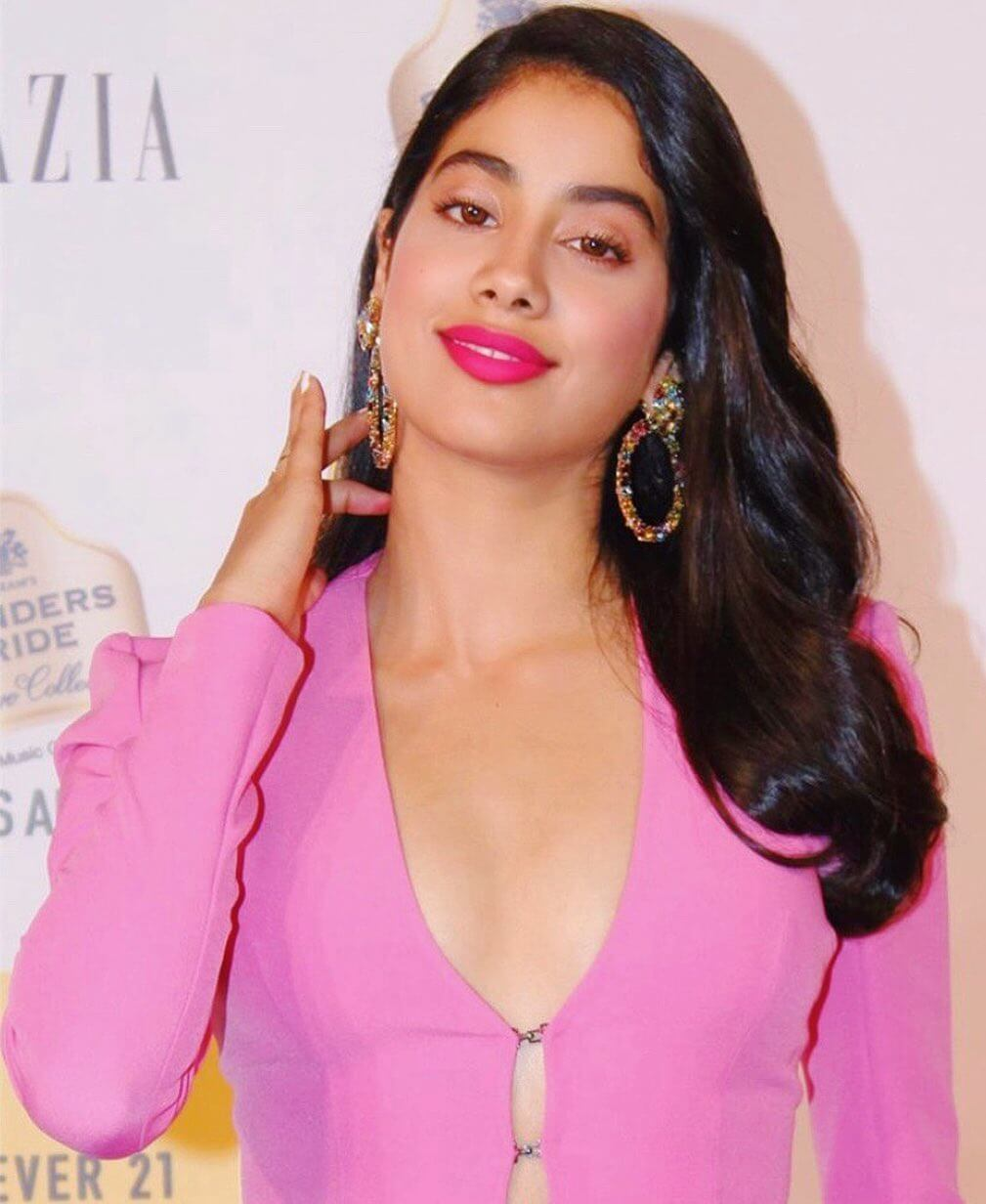 Janhvi Kapoor Age, Photos(images), Movie, Education, Birthday, Biography, Height, Husband, Net Worth, Instagram, Wiki, Twitter, Facebook, Imdb (67)