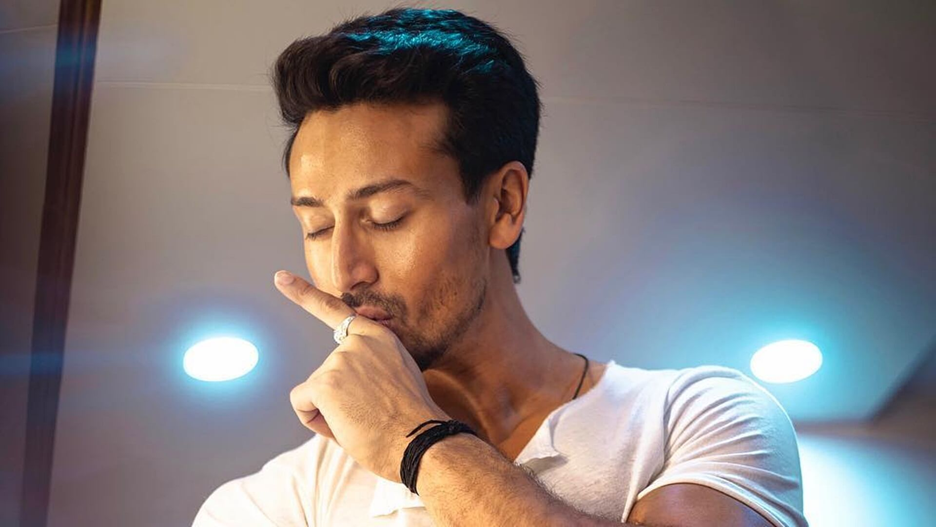 Tiger Shroff Age, Photos(image), Song, Movie, Height, Girlfriend, Sister, Date Of Birth, Net Worth, Biography, Education, Awards, Instagram, Twitter, Facebook, Wiki, Imdb, Youtube (30)