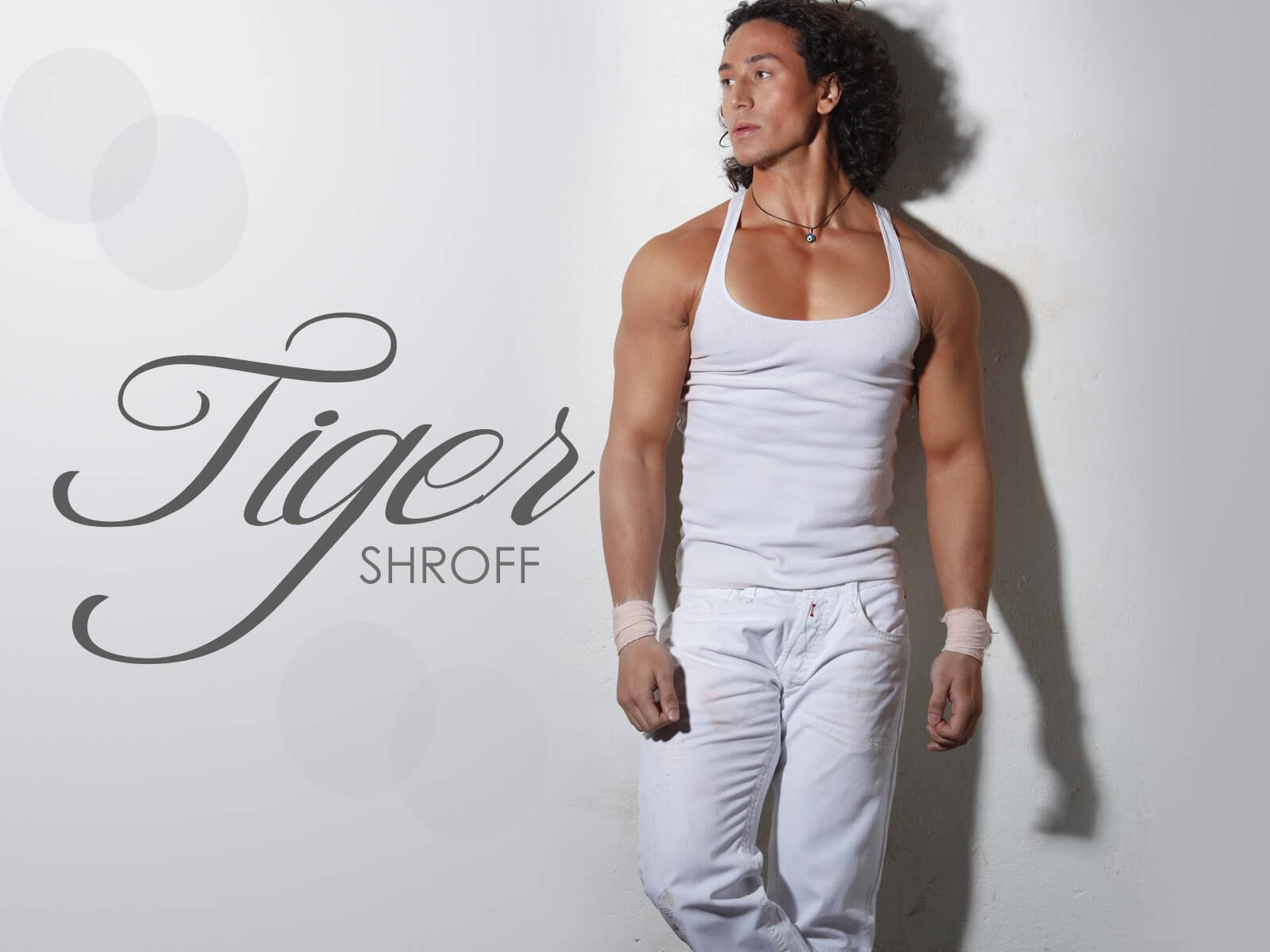 Tiger Shroff Age, Photos(image), Song, Movie, Height, Girlfriend, Sister, Date Of Birth, Net Worth, Biography, Education, Awards, Instagram, Twitter, Facebook, Wiki, Imdb, Youtube (33)