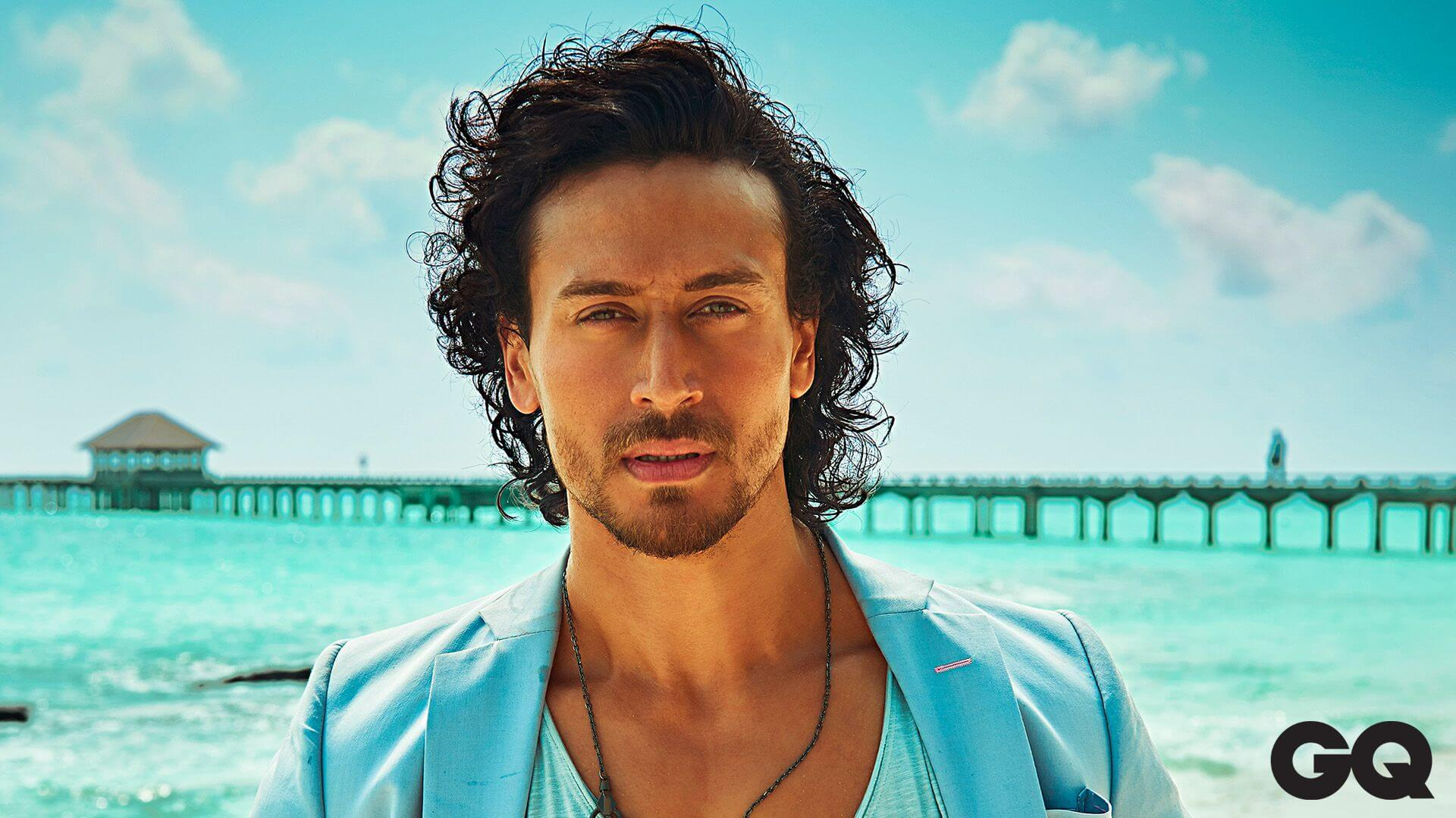 Tiger Shroff Age, Photos(image), Song, Movie, Height, Girlfriend, Sister, Date Of Birth, Net Worth, Biography, Education, Awards, Instagram, Twitter, Facebook, Wiki, Imdb, Youtube (37)