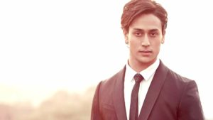Tiger Shroff Age, Photos(image), Song, Movie, Height, Girlfriend, Sister, Date Of Birth, Net Worth, Biography, Education, Awards, Instagram, Twitter, Facebook, Wiki, Imdb, Youtube (45)