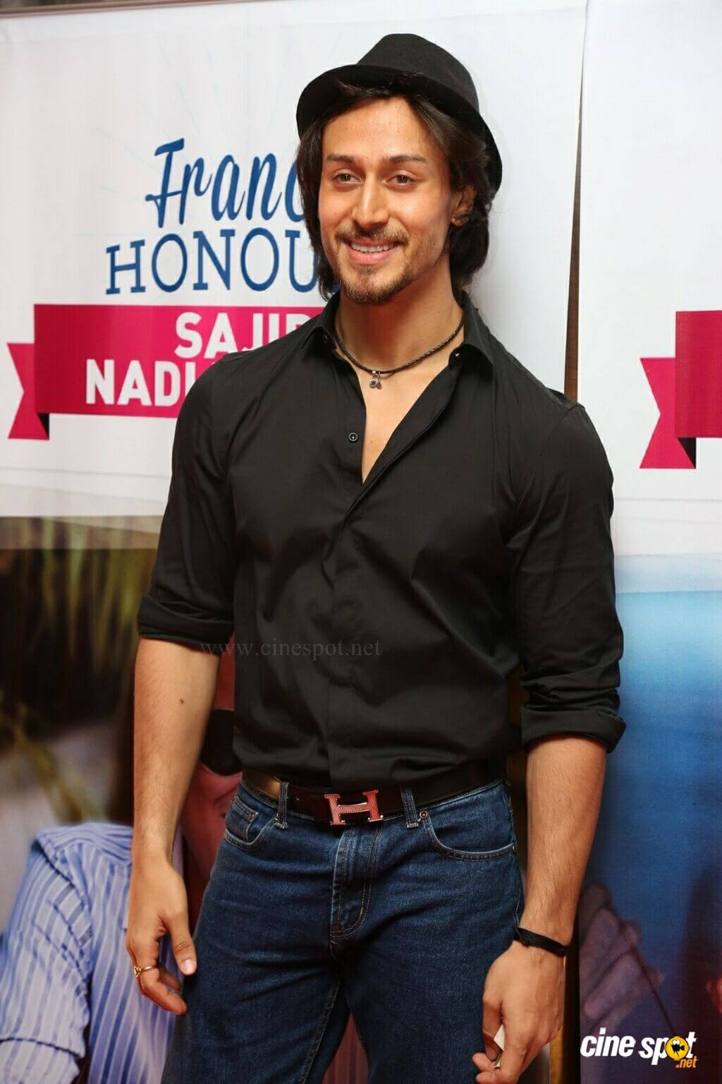 Tiger Shroff Age, Photos(image), Song, Movie, Height, Girlfriend, Sister, Date Of Birth, Net Worth, Biography, Education, Awards, Instagram, Twitter, Facebook, Wiki, Imdb, Youtube (50)