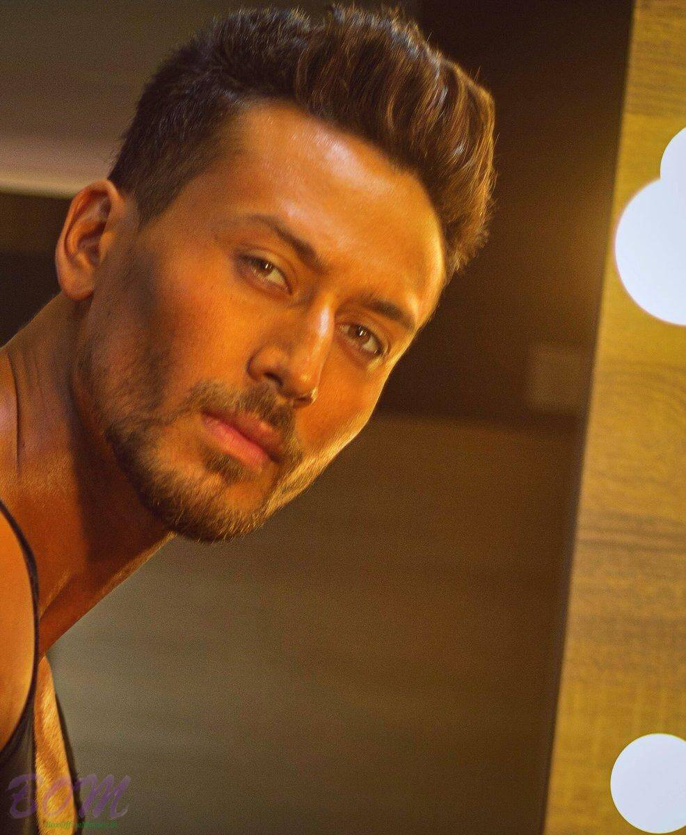 Tiger Shroff Age, Photos(image), Song, Movie, Height, Girlfriend, Sister, Date Of Birth, Net Worth, Biography, Education, Awards, Instagram, Twitter, Facebook, Wiki, Imdb, Youtube (69)