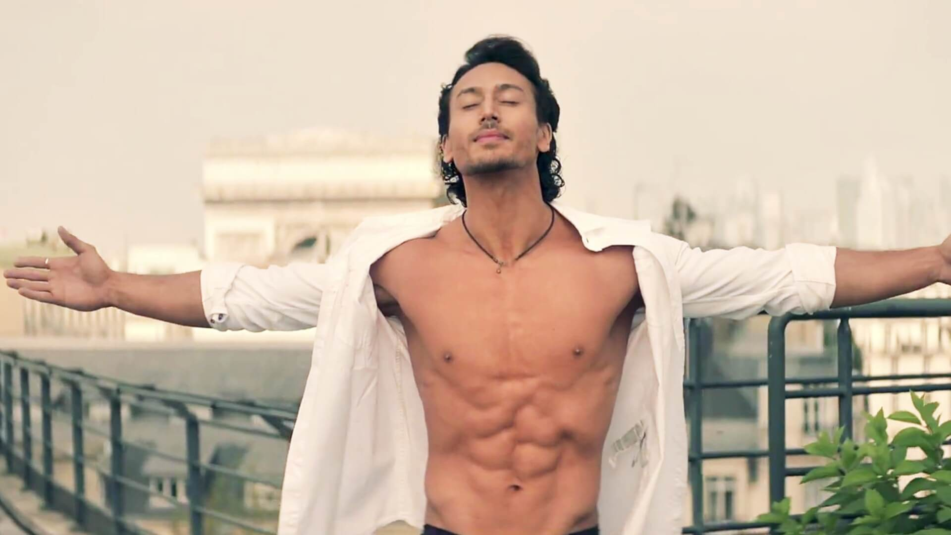 Tiger Shroff Age, Photos(image), Song, Movie, Height, Girlfriend, Sister, Date Of Birth, Net Worth, Biography, Education, Awards, Instagram, Twitter, Facebook, Wiki, Imdb, Youtube (70)