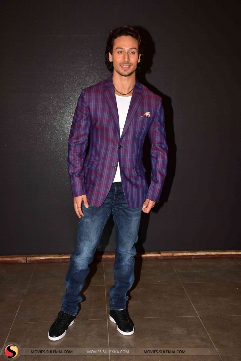 Tiger Shroff Age, Photos(image), Song, Movie, Height, Girlfriend, Sister, Date Of Birth, Net Worth, Biography, Education, Awards, Instagram, Twitter, Facebook, Wiki, Imdb, Youtube (79)