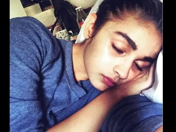 Top 10 Bollywood Actress Without Makeup Alia Bhatt Sleeping