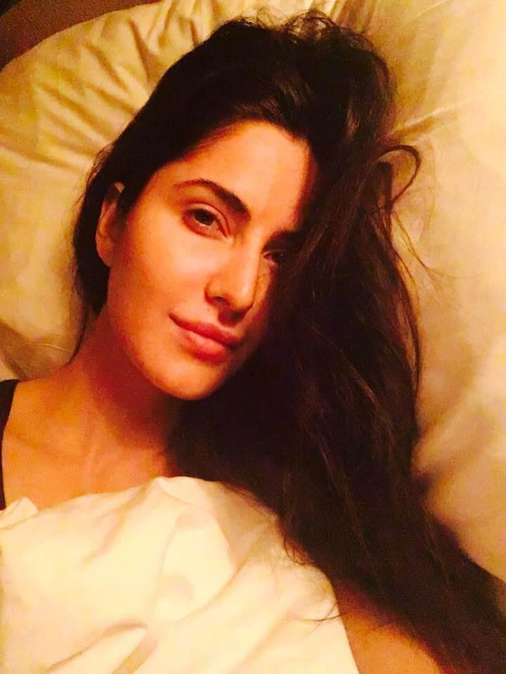 Top 10 Bollywood Actress Without Makeup Katrina Kaif In Bed Hotel