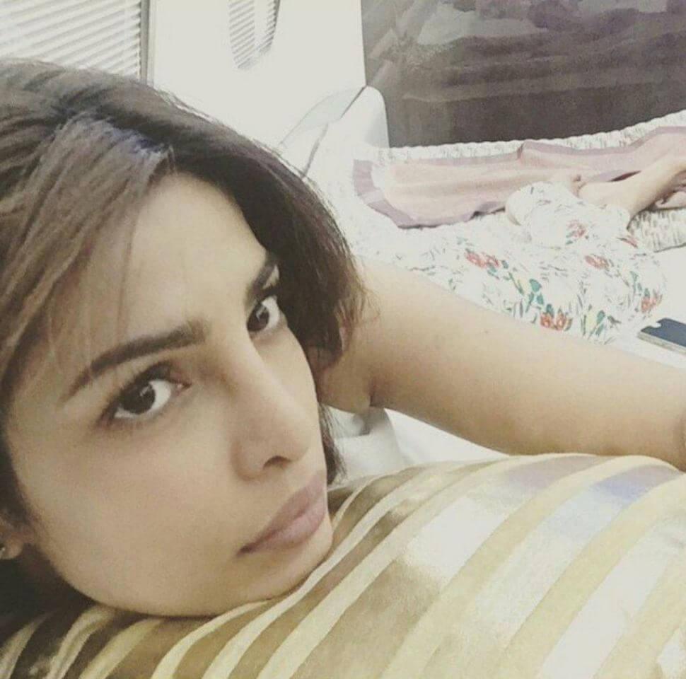 Top 10 Bollywood Actress Without Makeup Priyanka Chopra In Bed