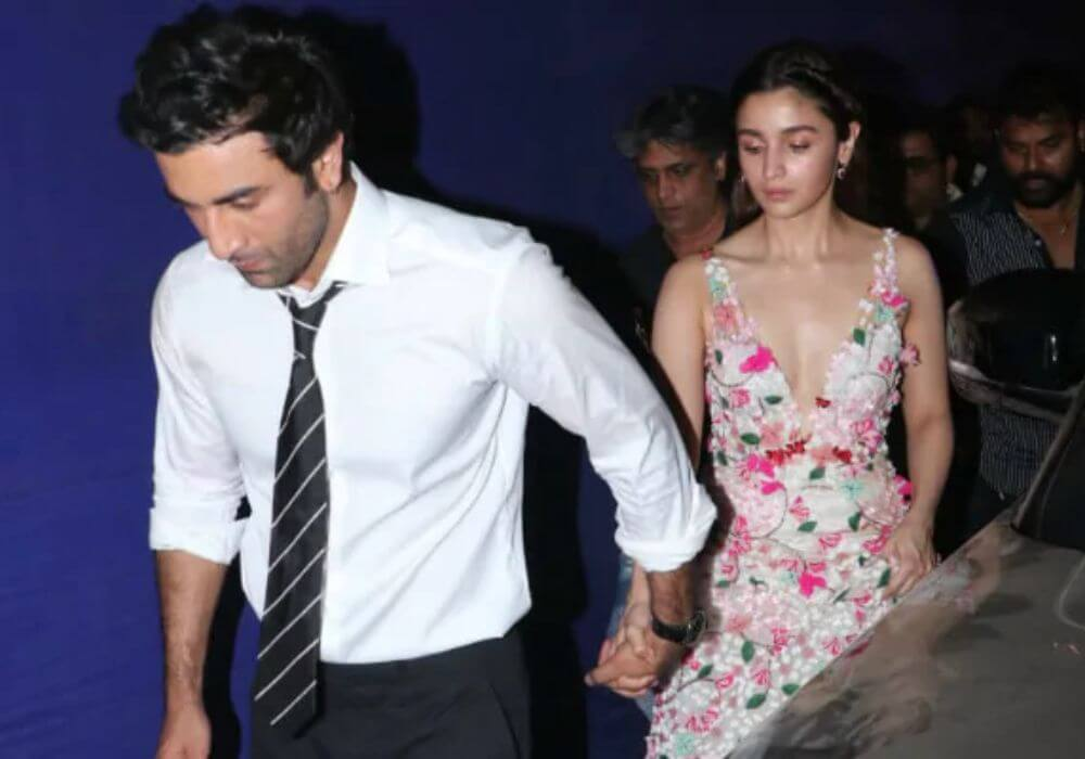 Couple Ranbir Has Moved In With Girlfriend Alia Bhatt