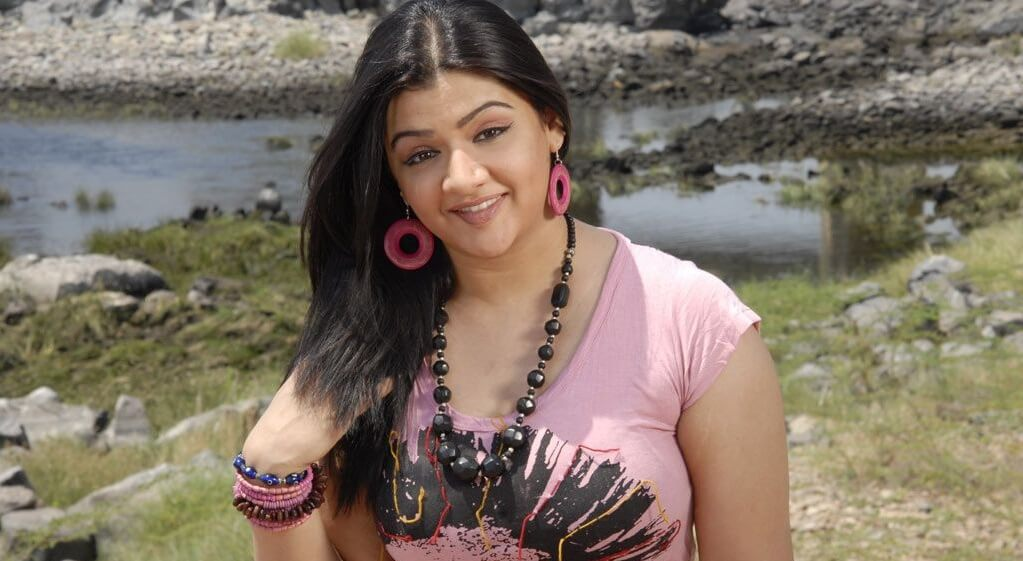 Aarti Agarwal Rare Pic Hot Pose The Tragic Death Of This Top Actress At Just 31 Years Old (1)