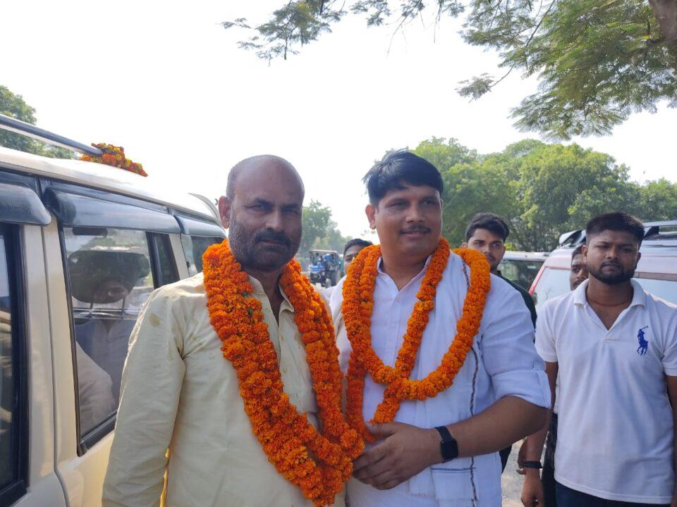 चांदपुर स्थित कैंप कार्यालय पर पूर्वी जोन की बैठक हुई