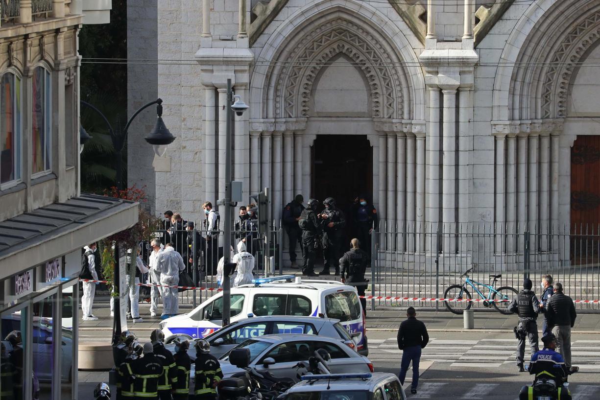 ફ્રાન્સના નાઇસ શહેરમાં શંકાસ્પદ આતંકવાદી હુમલામાં ત્રણ લોકોનાં મોત