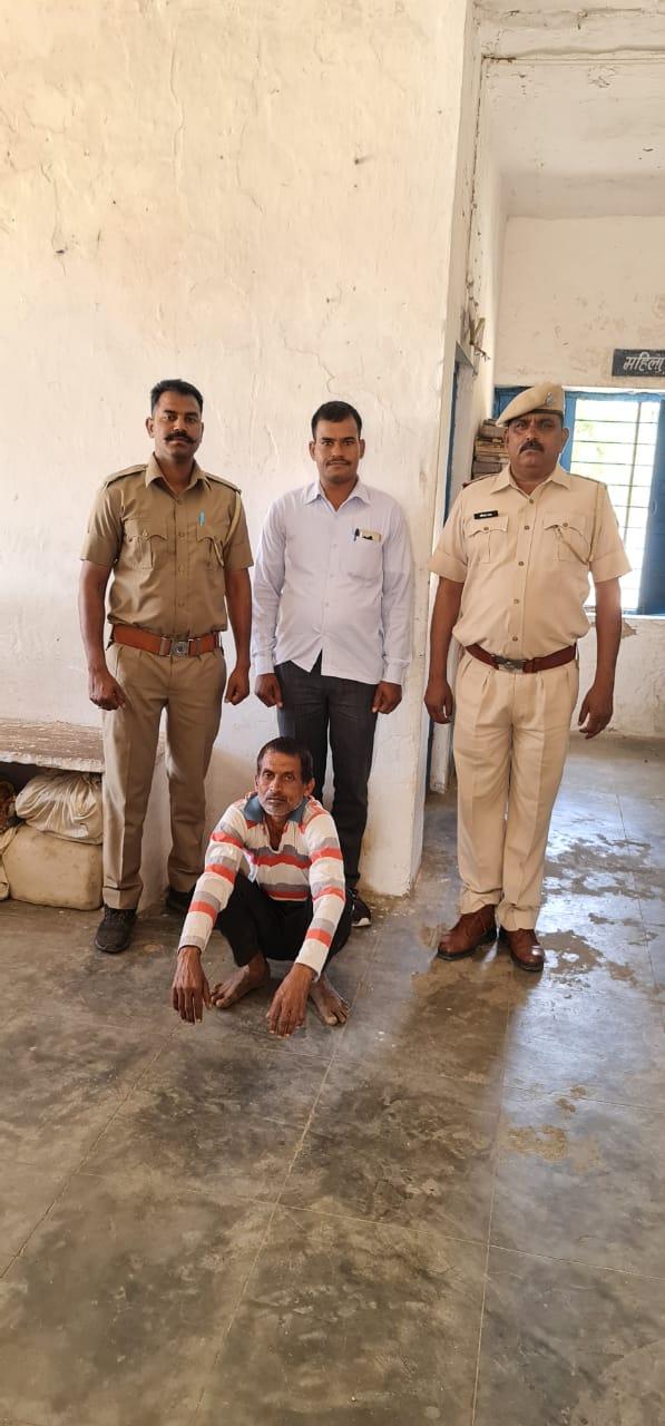 हत्या के मामले में  पहाड़ा थाने में टॉप टेन में शामिल 10 साल से मफरुर अभियुक्त को पहाड़ा पुलिस ने किया गिरफ्तार