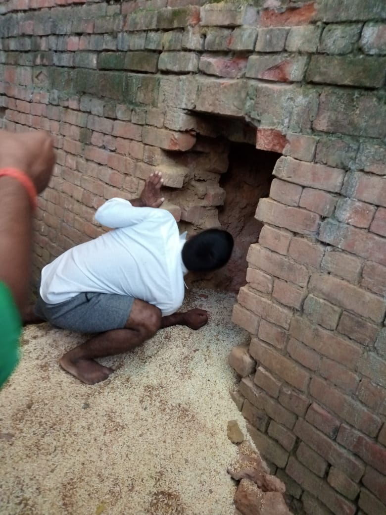 चोरो ने सेंध लगा कर किराना की दुकान से किया माल साफ