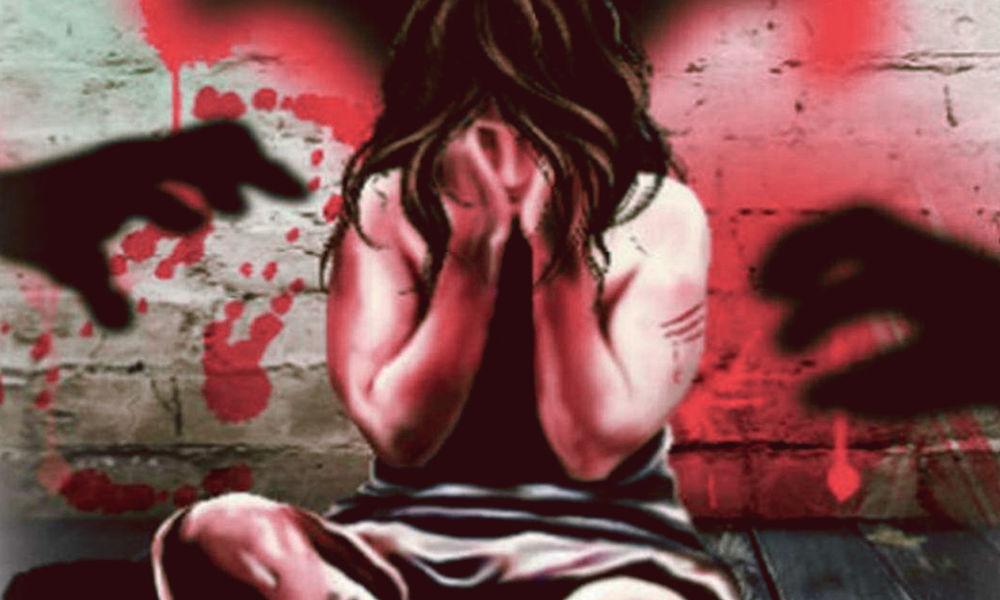 लखीमपुर खीरी में 13 साल की किशोरी से गैंगरेप, पिता का आरोप- हैवानों ने आंखें निकालीं, जीभ काट दी