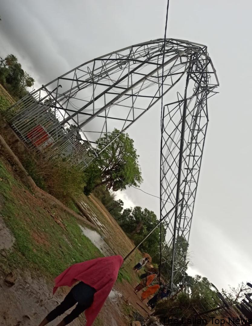 तेज आंधी तूफान में जियो का टावर हुवा धवस्त